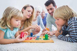 نقش والدین در افزایش توانایی تصمیم گیری کودکان