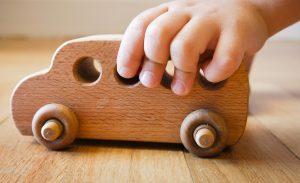 فایده اسباب بازی چوبی برای کودکان