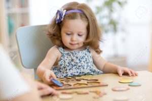 اسباب بازی چوبی برای کودکان
