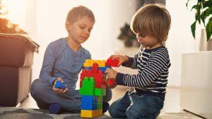 اهمیت اسباب بازی آموزشی برای کودکان