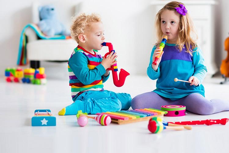 اهمیت اسباب بازی آموزشی و فکری برای کودکان