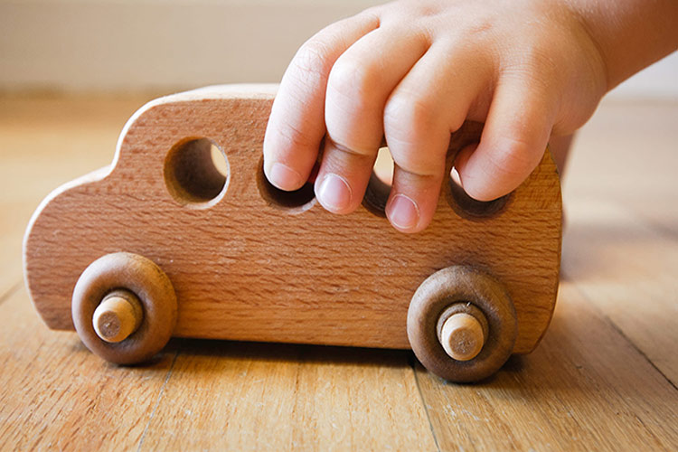 0 فایده اسباب بازی چوبی برای کودکان