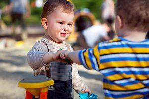 تقویت مهارتهای دوست یابی در کودکان