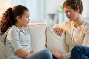 صحبت در مورد موضوعات مرگ یا بیماری با کودکان