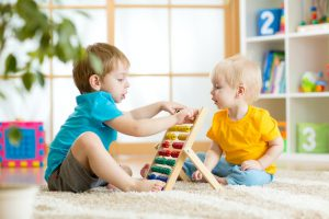 10 اسباب بازی برای افزایش دقت و تمرکز کودکان